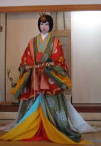 北九州市立小倉城庭園 王朝装束(十二単)着付け披露